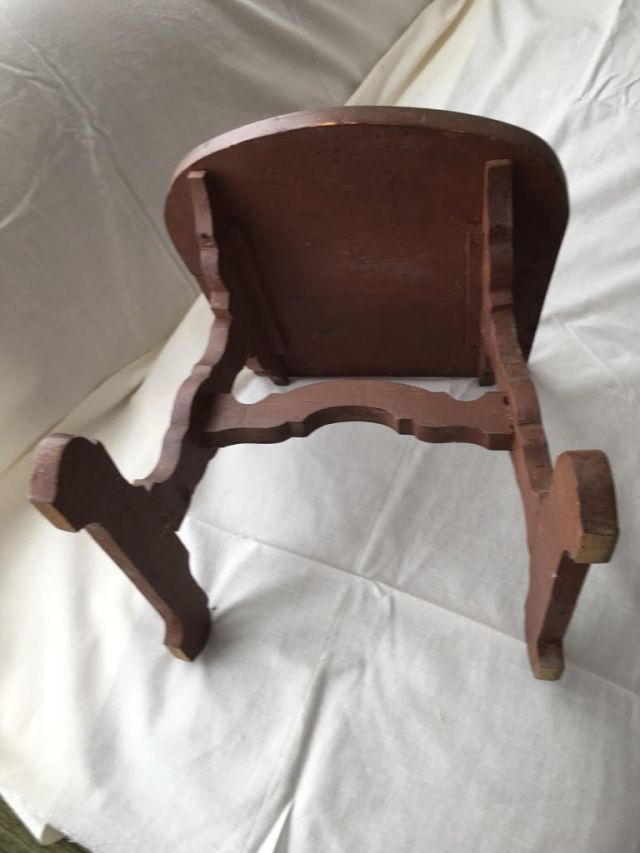 childs chair (1)